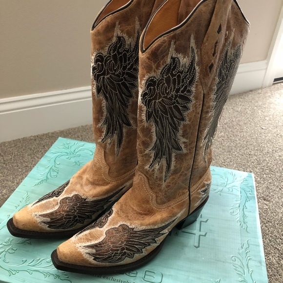 92f68e9dd49 NWT corral cowboy boots Boutique